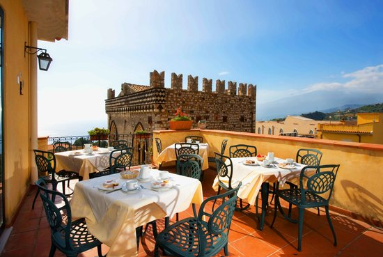 Hotel Del Corso: Breakfast on Terrace