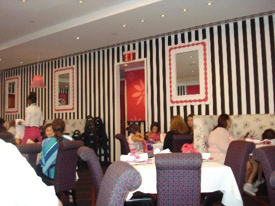 Restaurant picture of american girl place cafe new york for American cuisine in nyc