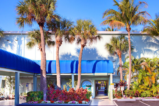 BEST WESTERN PLUS Oakland Park Inn : Best Wester Oakland Park Inn a Classic Old Florida  Boutique Hotel