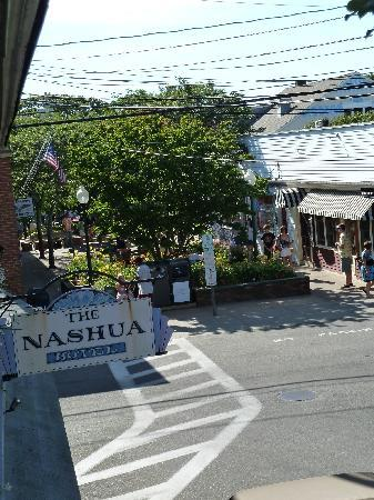 Nashua House Hotel: View on the street