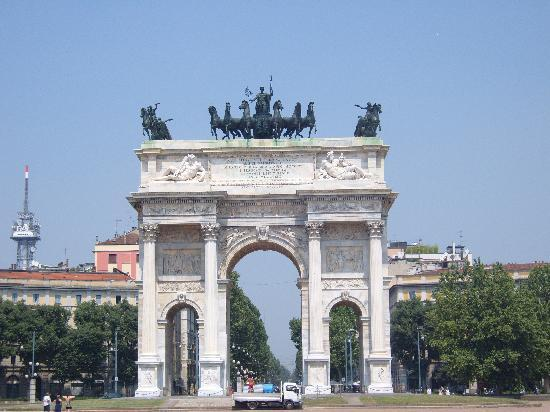 Milan, Italy: arc in sempione