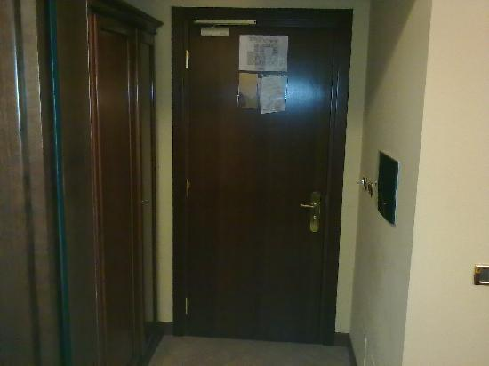 Le Cheminee Business Hotel: Door...