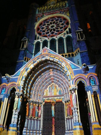 Chartres, Frankrijk: Cathedral at Night
