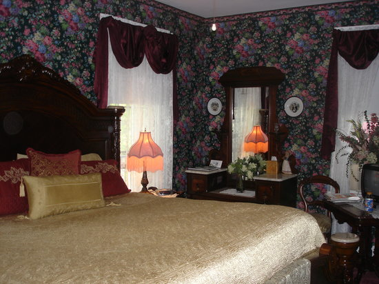 Summer Cottage Inn: Renaissance Room