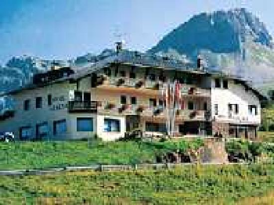 Passo Rolle, Italy: Hotel Venezia in estate