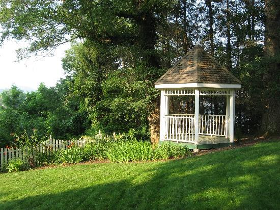 Oak Hill on Love Lane Bed & Breakfast: a place to quiet your soul