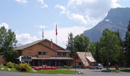 Douglas Fir Resort & Chalets: Banff's Finest Family Accommodation