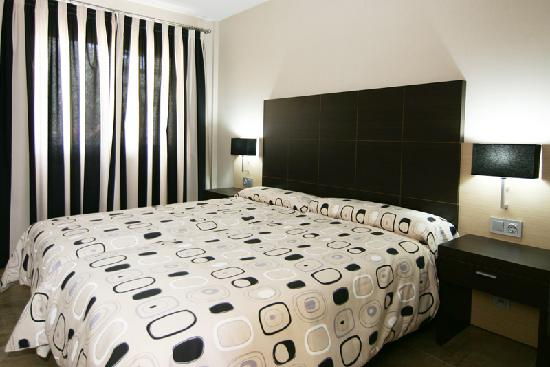 Apartamentos Albir palace: Bedroom