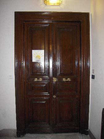 Exterior Doors on Sotto Il Sole Di Roma  Rome  Italy    B B Reviews   Tripadvisor