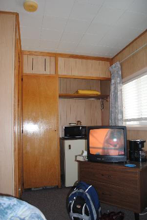 Stop Inn Motel: Motel Room