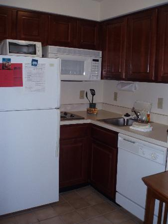 Staybridge Suites Indianapolis - Fishers: Kitchen