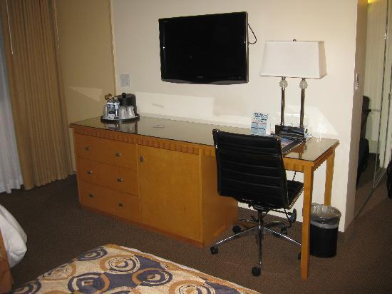 BEST WESTERN PLUS Carlyle Inn: Work area