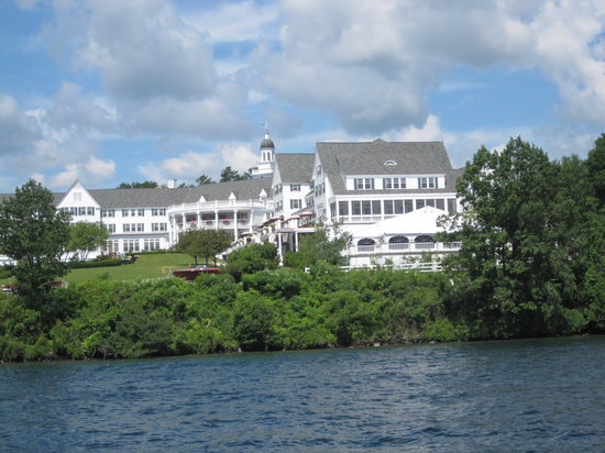 Carey's Lakeside Cottages