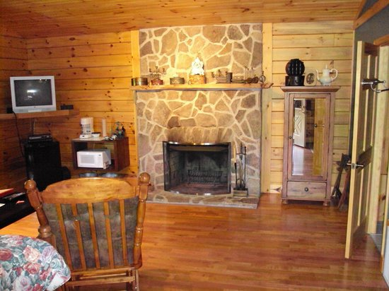 Cripple Creek Bed and Breakfast Cabins: Cabin Interior