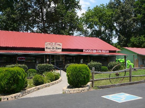 Townsend, TN: Exterior of Little River BBQ