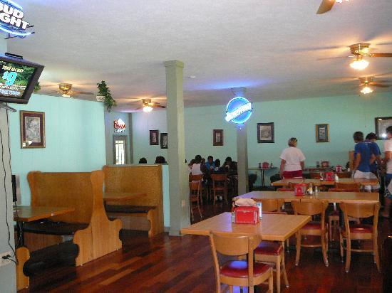 Townsend, TN: Interior of Little River BBQ