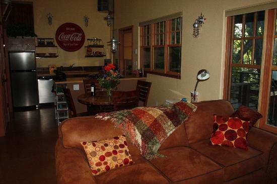 Creekside at Moab: Living room 2