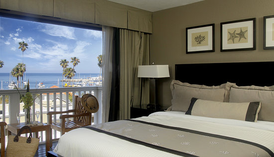 Catalina Island Inn: Wonderful views of Avalon and the Pacific ocean available.