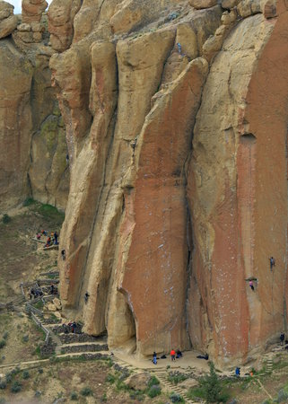 Redmond, OR: Smith Rock SP - climbers on cliff face