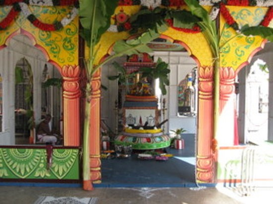 SRI SRINIVASA PERUMAL TEMPLE-S'PORE