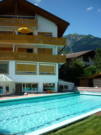 Photo of Hotel Residence Laurin Tirolo
