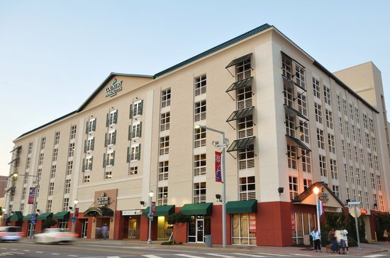 Country Inn & Suites Virginia Beach Oceanfront: Hotel Exterior Day