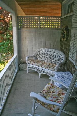 Inn at Tanglewood Hall: Our own private porch.