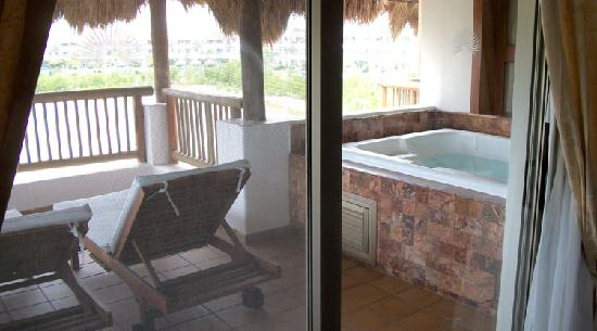 Emerald Jr Suite Bathroom HUGE Jetted Area Picture Of