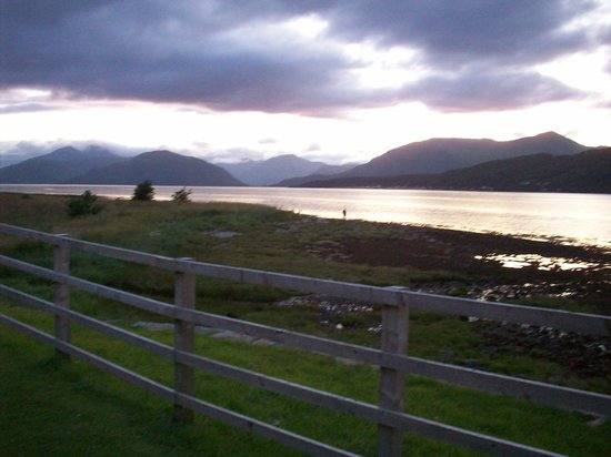 Ballachulish Hotel: Golden Loch on a summer evening