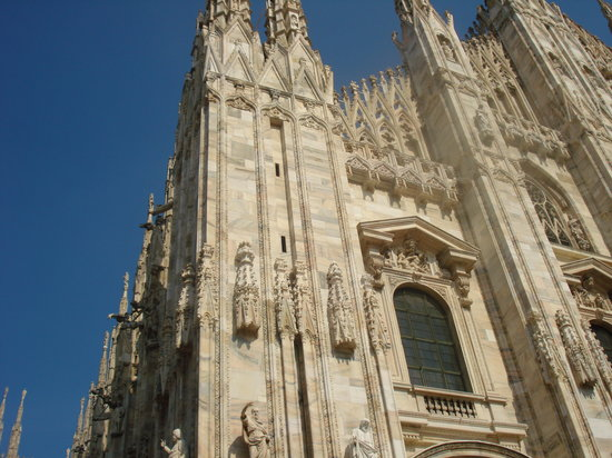 UNA Maison Milano : Milan's Duomo a few steps away