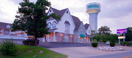 Photo of Seven Gables Inn Branson