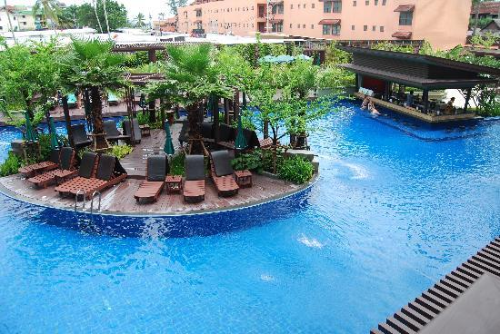 Patong Merlin Hotel: Picture of the new wings pool