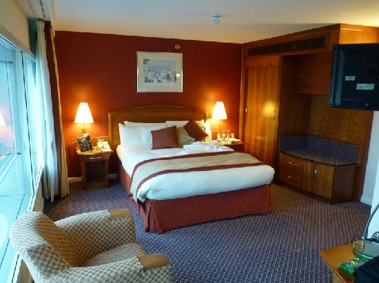 Arora Hotel Heathrow: Spacious double room