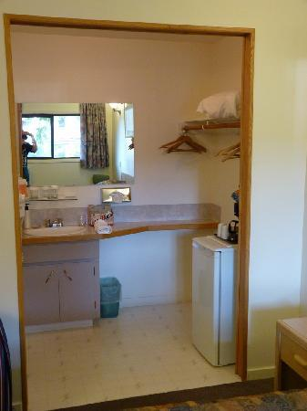Campbell River Lodge, Inn: The Kitchen Area