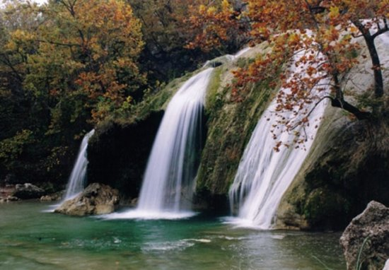 Oklahoma: Turner Falls Park features a 77-ft cascade and a natural swimming pool at the base of the falls.