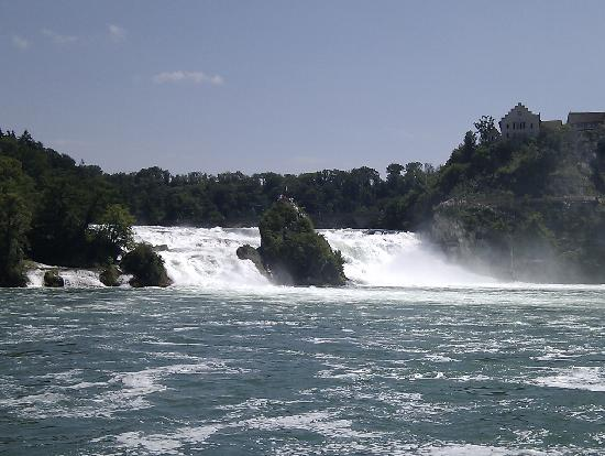 Neuhausen, Schweiz: The Rhine Falls from a distance