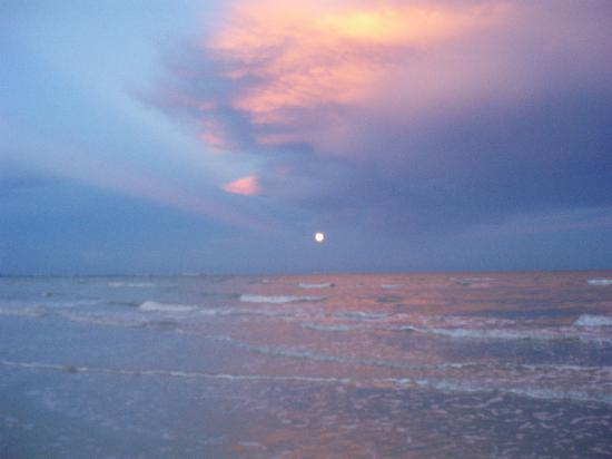 Evening on the Gulf of Mexico at Loggerhead Cay, Sanibel Island