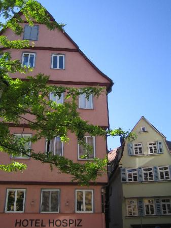 Hotel Hospiz Tubingen: Hotel Hospiz from the small square in front
