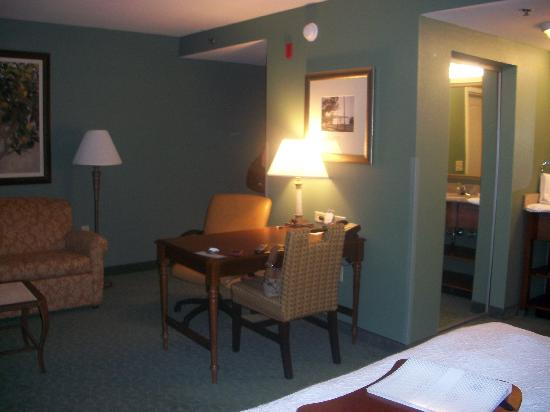 Hampton Inn & Suites Tallahassee I-10 / Thomasville Rd: The rest of the room