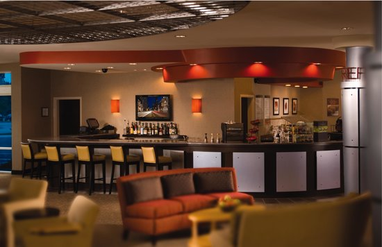 Cambria Suites Fort Collins: Our Onsite Lounge