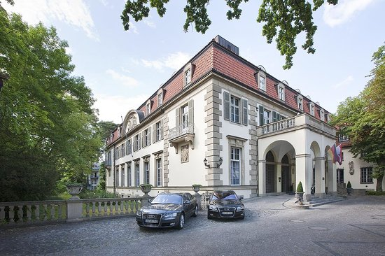 Schlosshotel Im Grunewald: The Hotel