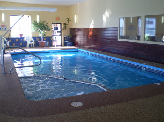 The Admiralty Inn : Indoor Heated Pool