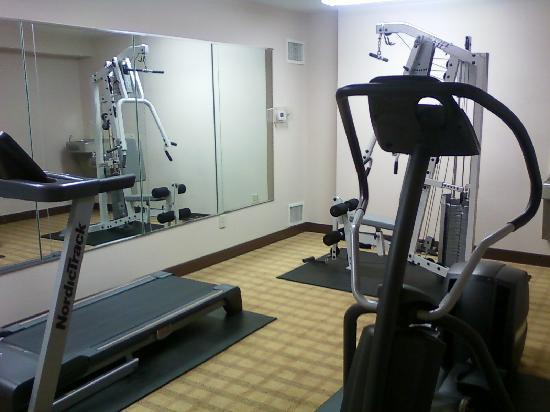 Quality Inn & Suites: Fitness Facility