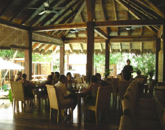 Pranamar Villas and Yoga Retreat: Eating another fabulous lunch in the restaurant.