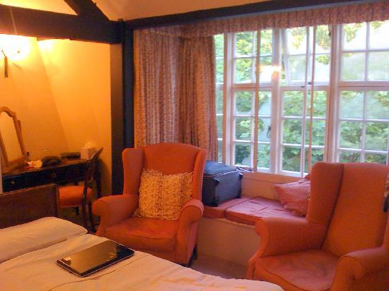 Chiseldon House: Our room