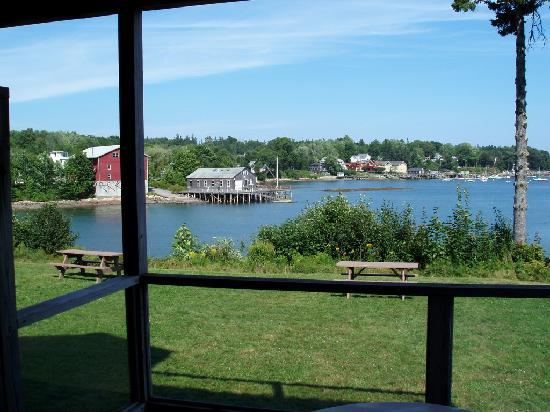 Harbor View Motel And Cottages : View from Room 103 