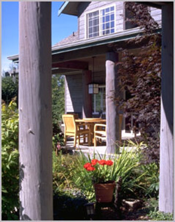 Lost Mountain Lodge: Close to Olympic National Park, Lavender Farms &amp; Ferries to BC