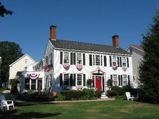 Holiday Guest House Bed & Breakfast: Our home away from home