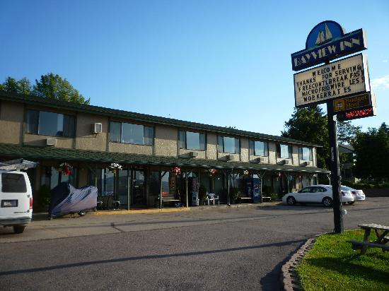Bayview Inn: motel