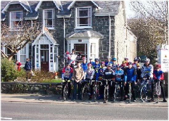 Cycle Group at Snowdon Lodge